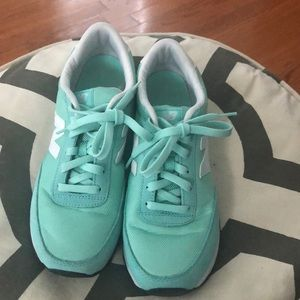 New Balance 501 mint green sneakers 8.5